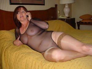 geile hausfrau beim Telefonsex